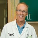 Dr. Steven Dow headshot.